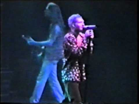 Alice In Chains - Rotten Apple - London, England - 10-5-93 - Part 16/16 (Improved Audio)
