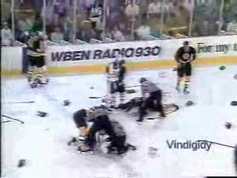 Cam Neely vs Lindy Ruff