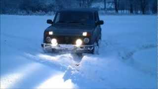 Видео ролик. Проходимость Maxxis Bravo AT-771 зимой по глубокому снегу