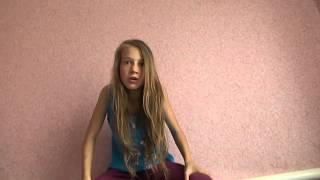 Смешная девочка рассказывает новости!!