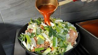 하루 200kg 파는 인하대에서 유명했던 치즈 불뼈찜 / korean spicy brasied pork back bone cheese noodle
