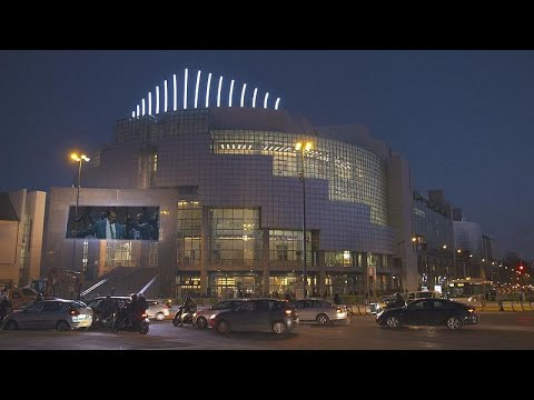 Παρίσι: Η Όπερα της Βαστίλης γιορτάζει την 30η επέτειό της…