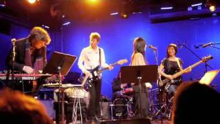 Cibo Matto - Birthday Cake (live at Le Poisson Rouge, NYC, 12/6/2010)