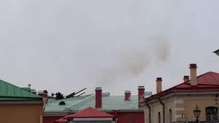 Выстрел из пушки. Петропавловская крепость.
