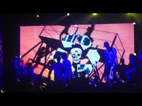 PHARAOH & BOULEVARD DEPO – CHAMPAGNE SQUIRT (live)