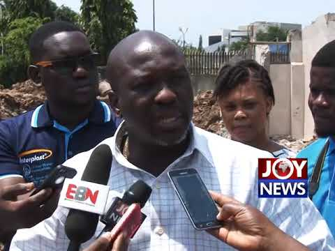 Ghana Water Company starts laying new pipes in parts of Accra as taps run dry. (1-08-18)