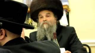 REBBE Shlita Speaking at the Seudah