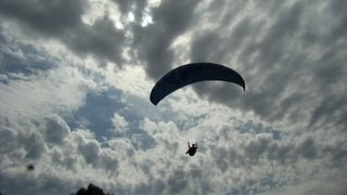 preview picture of video 'Flying Sjieps Advanced Paragliding Course'
