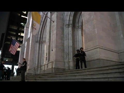 Νέα Υόρκη: Συνελήφθη ύποπτος με δοχεία βενζίνης έξω από Καθεδρικό ναό…