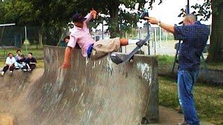 JOHN CARDIEL, TONY TRUJILLO, MAX SCHAAF Harrow Skatepark UK AUG 2000