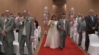 Groom Sings Elvis Number as Bride Walks up Aisle!