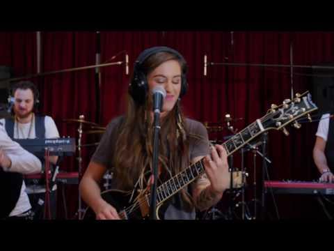 Nina Attal Video