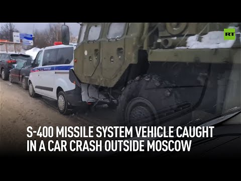 Multi-car pileup | S-400 missile launcher foiled by icy Russian roads