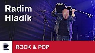 "Radim Hladík ve skladbě ""Má hra"" na jedinečném koncertě Blue Effectu s Big Bandem Gustava Broma"