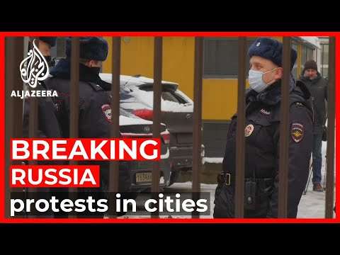 Russia arrests dozens amid nationwide pro-Navalny protests