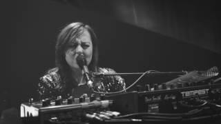 Ariane Moffatt -  Debout (Live)