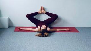 Yin Yoga tegen de muur