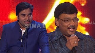 Comedy in Tamil Director Bhagyaraj narrating Story to Amitabh Bachchan in English