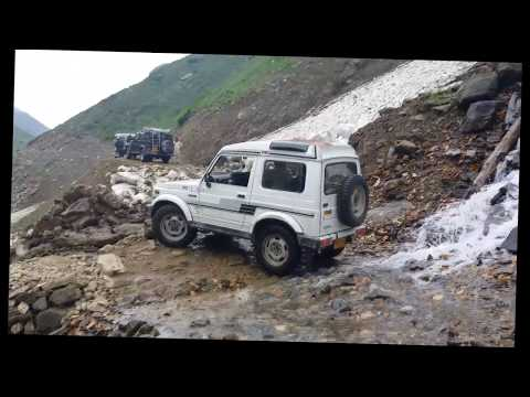 Car Almost Falling Off Cliff In Pakistan
