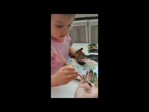 Ева обожает краски. Разноцветные развлечения / Eva loves paint. Colorful entertainment