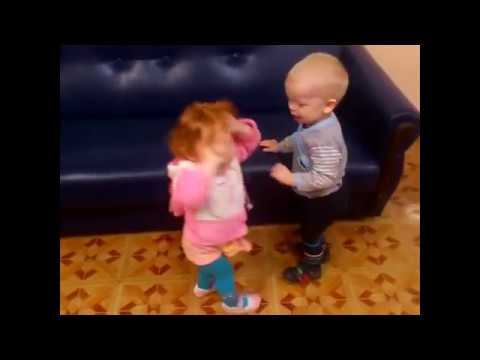 Смешное детское видео, дети, детский юмор)))) Любвеобильное рыжеволосое чудо!!!!!