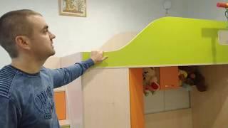 Детская кровать-чердак с мобильным столом, угловым шкафом и лестницей-комодом КЛ4-2 ЭКО Merabel от компании Мерабель - видео 3