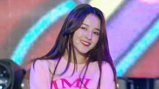 MOMOLAND   BAAM [SBS Super Concert In Suwon Ep 1]