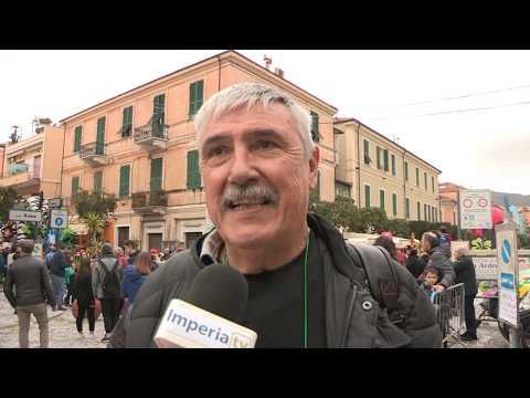 A DIANO MARINA GIORNATA DI FESTA E DIVERTIMENTO CON I CARRI DI CARNEVALE
