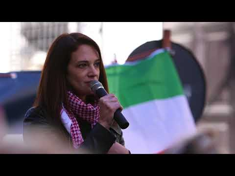 Asia Argento speaks on #MeToo movement at Women's March Rome 2018 (with CORRECTED English subtitles)