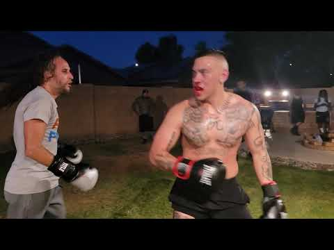 LIGHT WEIGHT VS. HEAVYWEIGHT (CRAZY OUT COME) /UFL