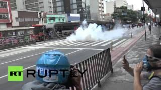 Полиция Бразилии применила светошумовые гранаты для разгона митинга против реформы образования