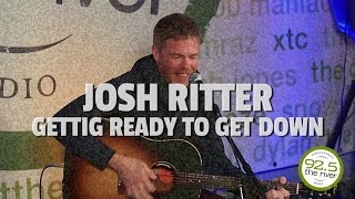 """Josh Ritter perform """"Getting Ready to Get Down"""""""