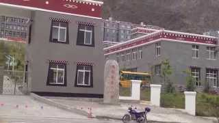 preview picture of video '雲南省德欽縣第二小學 / 三點鐘的影音部落格'