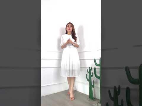 Đầm xòe trắng tay phồng nhẹ