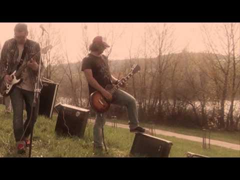 U.K.N.D - U.K.N.D - Spomienky na videu (official video)