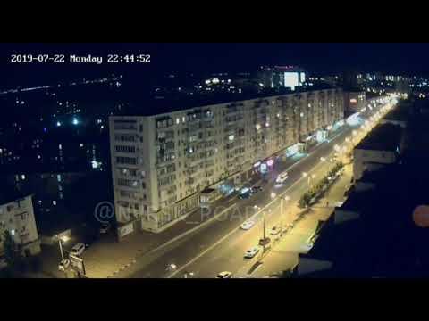 ВНовороссийске ночью пешеход бросился под колеса машины