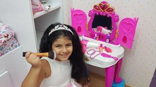 Hayalimdeki Makyaj Setini Aldık-YAĞMUR Makyaj Yapıyor- Kids make up toys