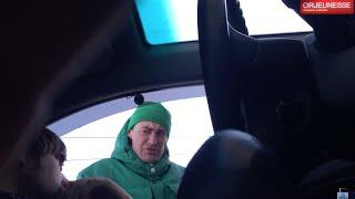 Парковщик разводит на бабло