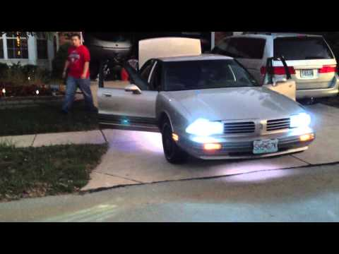 The Most Ghetto Eighty Eight Oldsmobile - Underglow, HID's, Subs, Murdered Rims, 5% Tint