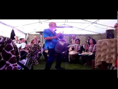 Nummer 3 van optreden Asawali op feest in Gennep