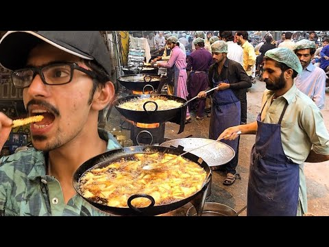 HEAVY IFTARI SCENE IN LAHORE + ilyas DUMBA KARAHI | Pakistani Street Food In Ramadan