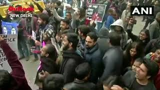 Protesters Sing 'Sare Jahan Se Achha…' At Delhi's Jantar Mantar