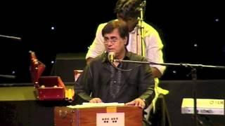 Jagjit Singh Live - Sadma Hai Mujhe Bhi Ke   - YouTube