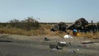 На трассе «Николаев-Березки» перевернулся «МАЗ» — пострадали два человека. Видео