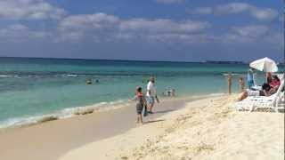 preview picture of video 'Tiki Beach George Town, Grand Cayman'