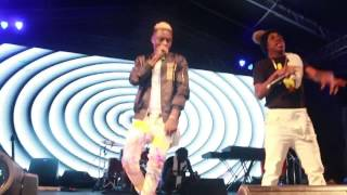 """SMALL DOCTOR AND """"IRAPADA"""" CROONER JUNIOR BOY PERFORM TOGETHER ON STAGE @ REMINISCE CONCERT"""
