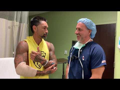 El ex tenista chileno numero 1 del mundo Marcelo Rios fue operado en los codos por el Dr. Badia