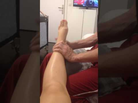 การเยียวยาชาวบ้านจากการกระแทกด้วยการเดินเท้าจากนิ้วหัวแม่มือ