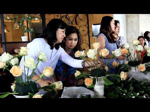 Keseruan Kursus Dasar Merangkai Bunga oleh Joyful Flowers