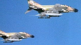 F-4 Phantoms & Vietnamese MiG-21s Face Off in Aerial Dogfight